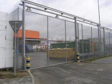 brama podwieszana automatyczna (OBI Lublin)