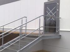 """schody stalowe z balustradą (""""ANEKS"""" Jaworzno)"""